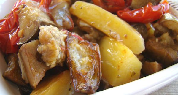 Melanzane con patate cotte al forno