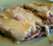 Scaloppine con formaggio e prosciutto