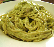 Spaghetti con crema di ricotta alle zucchine