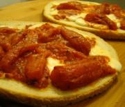 Bruschettoni mozzarella e pomodoro