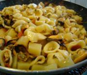 Orecchiette con patate e cozze